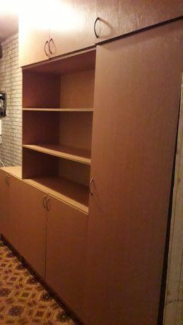 Продам шкаф с тумбой