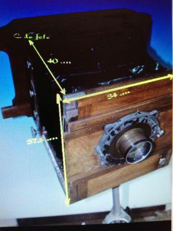 Máquina Fotográfica de madeira antiga