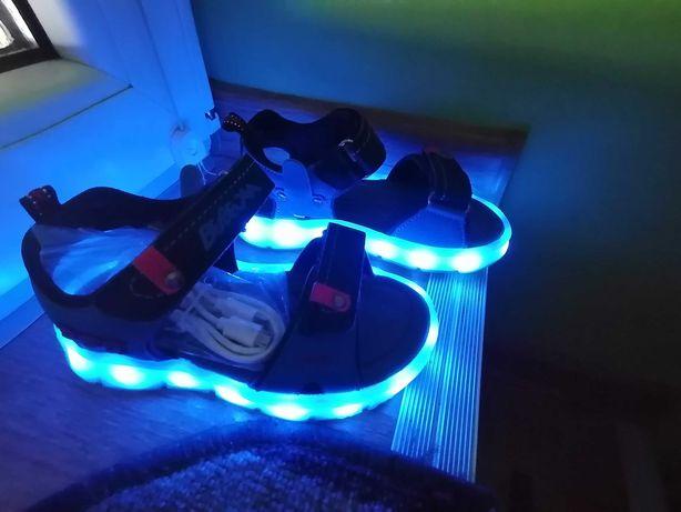 NOWE Sandały r 28-29 dł wkł 18cm - LED świecące ładowane na USB