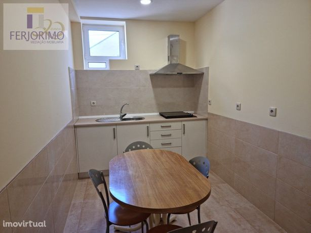 quartos mobilados, com roupeiro, cama, cozinha geral, wc ...