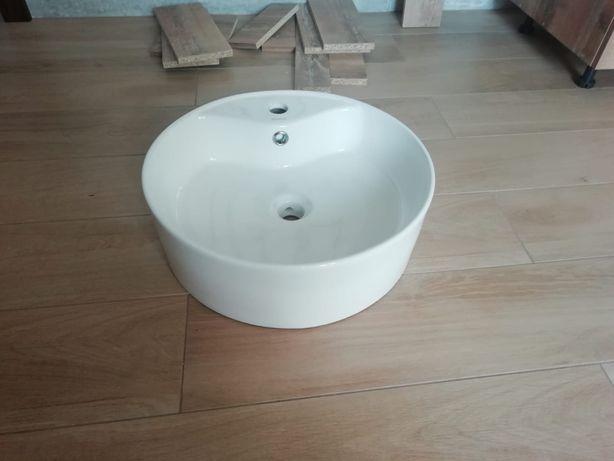 Sprzedam ceramiczną umywalkę nablatową kerra KR-138