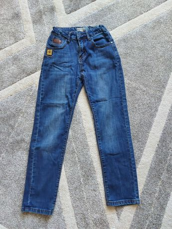 Продам джинсы на 10-12лет