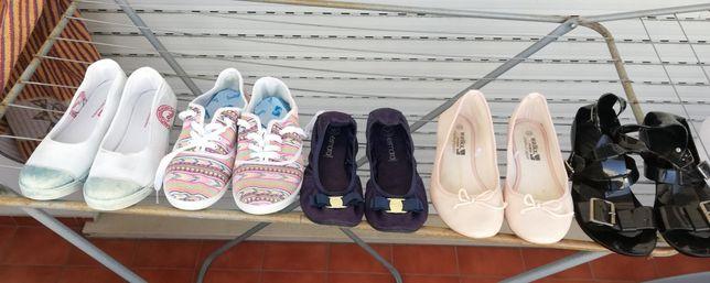 Sabrinas, sapatilhas e sandália, tamanho 40