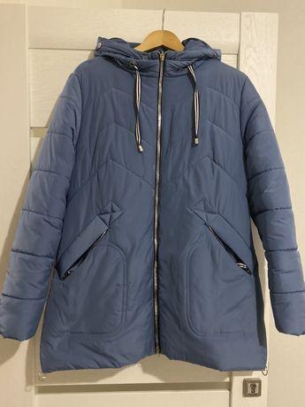 Продам абсолютно новую тёплую зимнюю куртку красивого цвета 54 размера