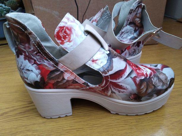 Жіноче взуття,черевички