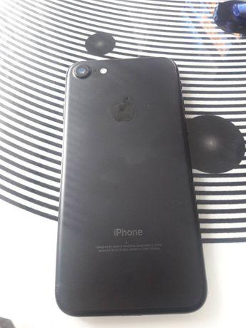 Телефон Айфон 7 32