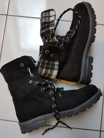 Sprzedam nowe buty dla dziewczynki. Rozmiar 33