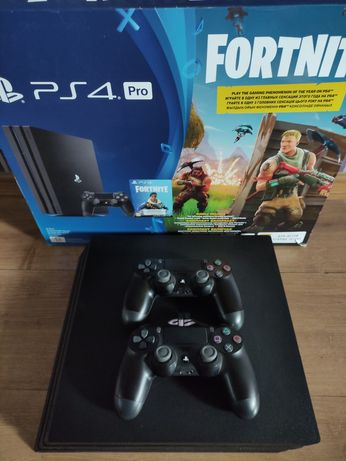 Playstation 4 Pro + второй геймпад