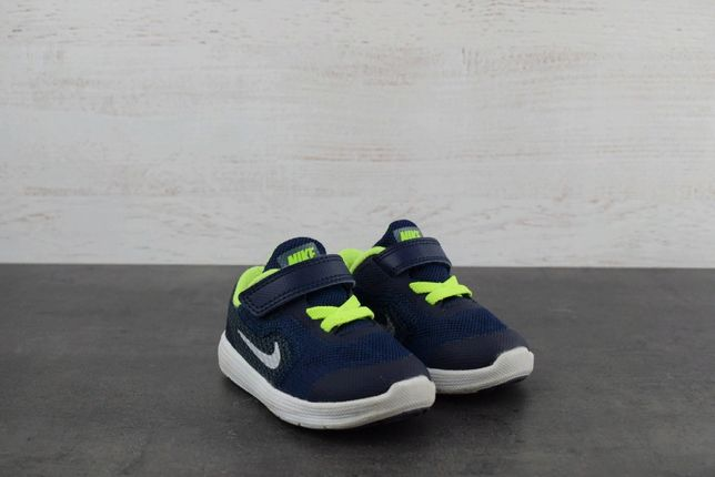 Кроссовки Nike Revolution. Размер 19.5