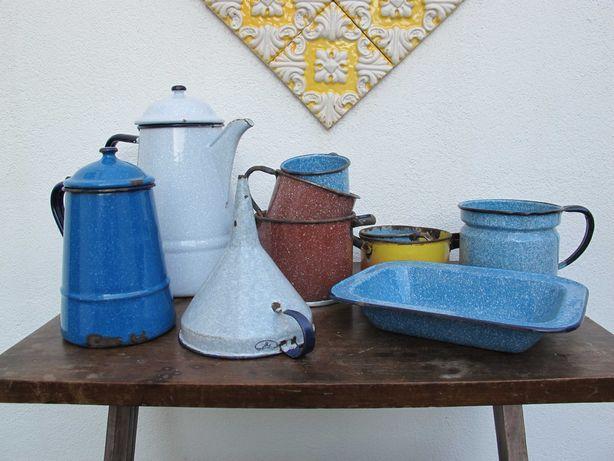 Lote Loiça em Esmalte Antiga - Cozinha Vintage