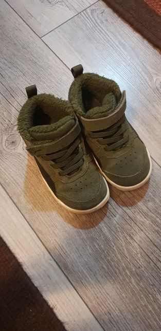 Демосезоні кросівки. Осіннє взуття