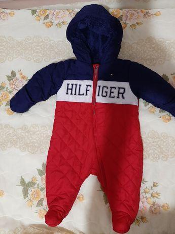 Детский теплый комбинезон Tommy Hilfiger