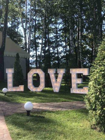 Буквы love деревянная бочка ретро гирлянда из лампочек насыпные свечи