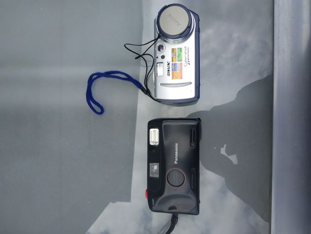 Aparat fotograficzny Sony i Panasonic