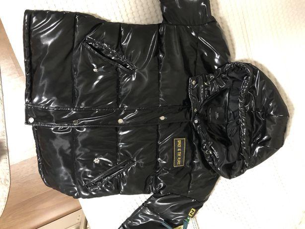 Курточка женская ZARA очень крутая размер может быть как oversize