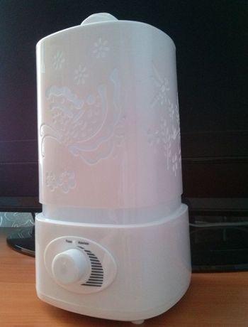Продаётся ультразвуковой увлажнитель воздуха с подсветкой