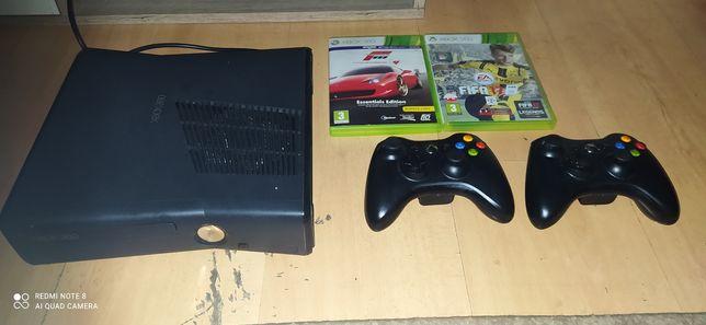 Konsola X box 360 Slim 2 pady 5 gier