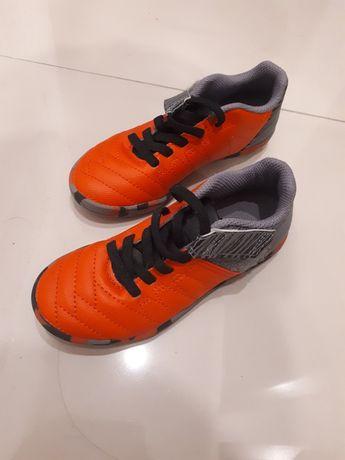 Buty sportowe do piłki rozmiar 28