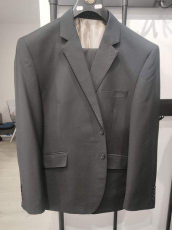 Sprzedam czarny garnitur męski
