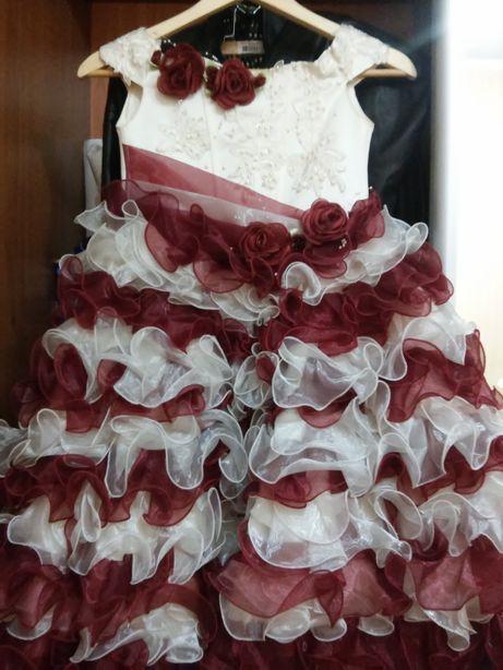 Платья принцессы, конфетки на девочку 4-8 лет на новогодние утренники