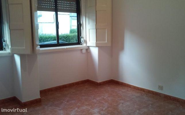 Apartamento T2 em Alvalade