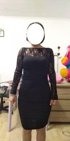 Черное платье с гепюром