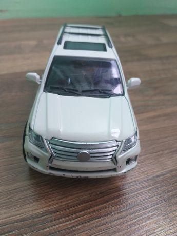 Машинка автопром Lexus