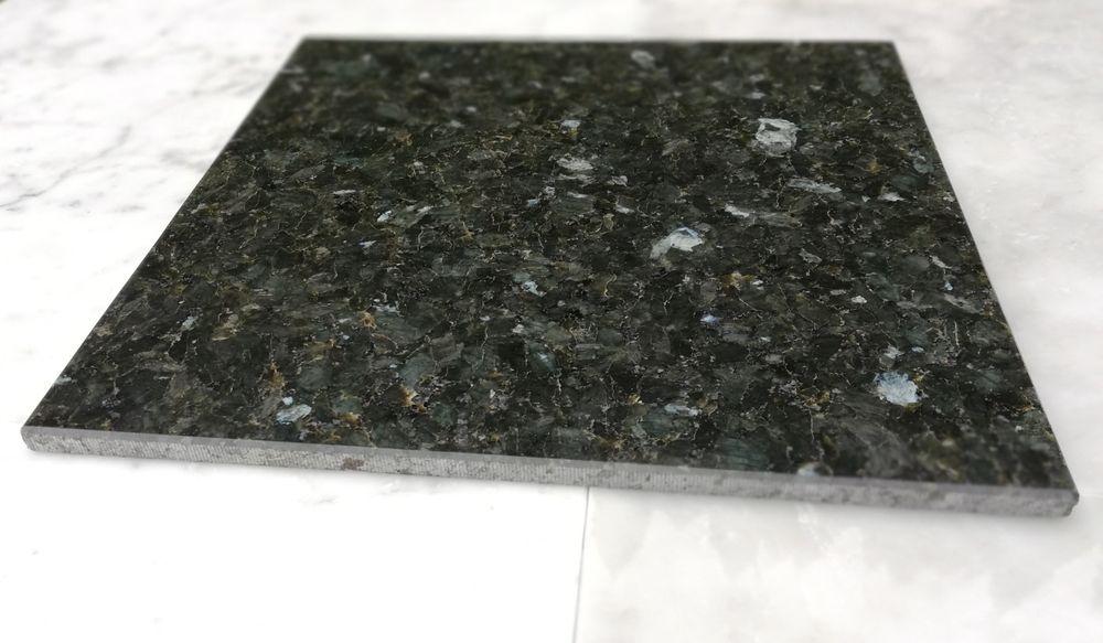 Płytki granitowe EMERALD PEARL 30.5x30.5x1 Poskwitów - image 1