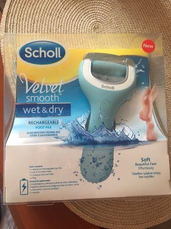 School Velvet Smooth wet&dry elektryczny pilnik do stóp z ładowarką