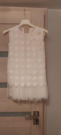 Sukienka z gipiura rozm 122