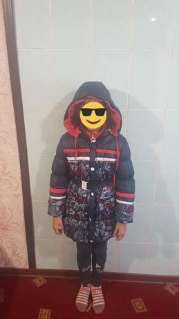Продажа зимней куртки, для девочки 6-7 лет.
