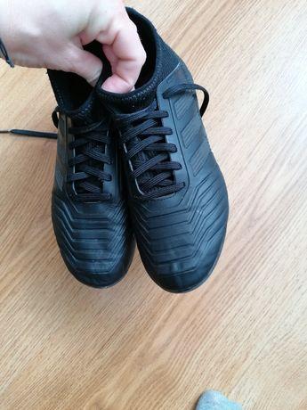Predator korki adidas czarne skarpeta ze skarpetą
