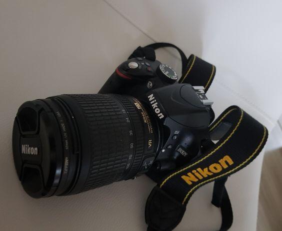 Lustrzanka NIKON D3200 + Nikor 18-105