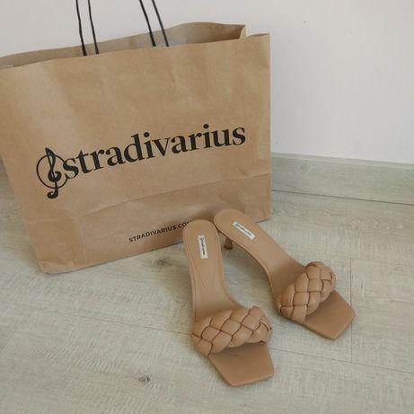 Босоножки Stradivarius