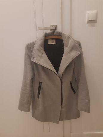 Piękny płaszcz Bershka rozm S/36