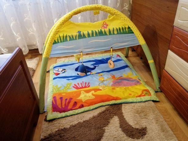 Розвиваючий коврик для малечі.