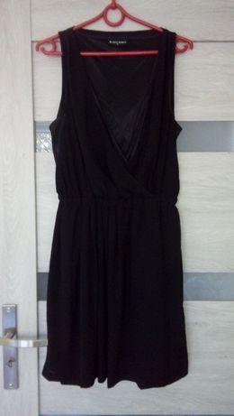 Czarna sukienka dwuwarstwowa r. M do karmienia