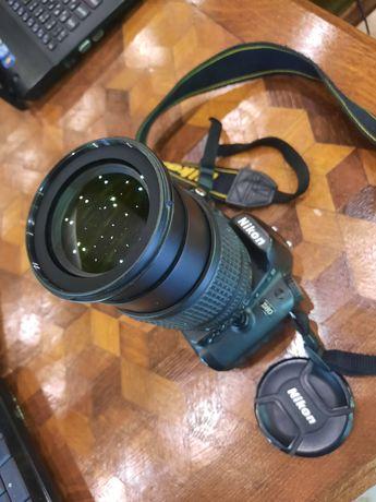 Nikon D80 + AF-S Nikkor 18-105 + pasek + 2GB