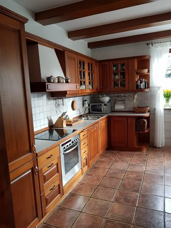 Meble kuchenne drewniane z wyposażeniem