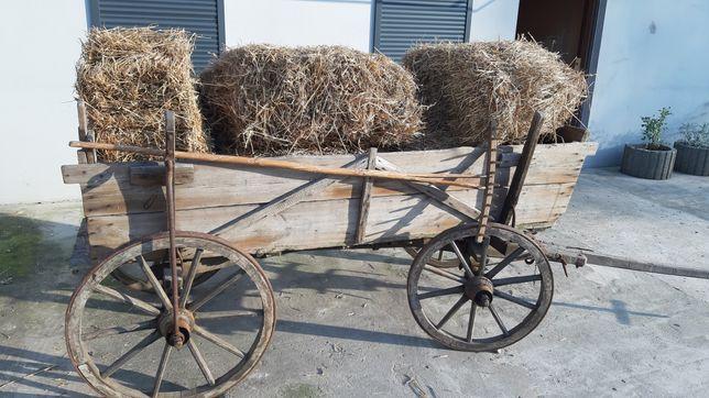 Zabytkowy wóz drewniany,woz konny.