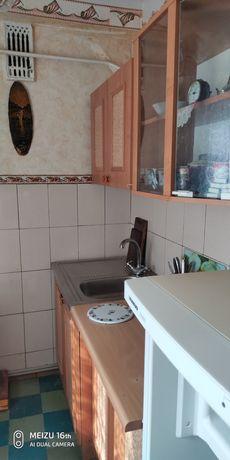 Продам 2-х комнатную квартиру п. Новолуганское Донецкая область