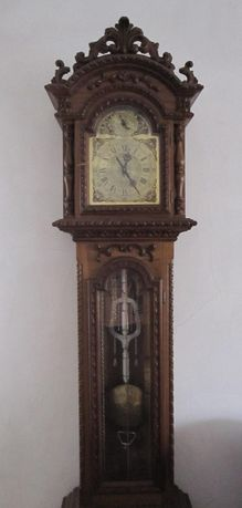 """Relógio de pé """"A Reguladora"""""""