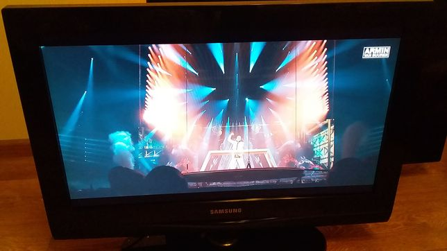 Телевизор Samsung LE26C350