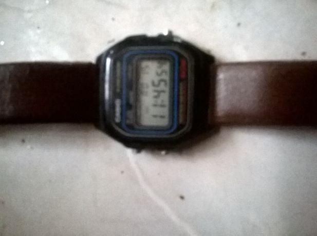 Zegarek Casio W-59 na baterie