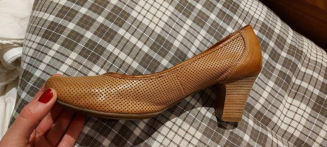 Skorzane buty Lasocki ccc 40
