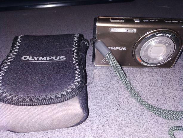 Máquina fotográfica - Olympus FE 4030