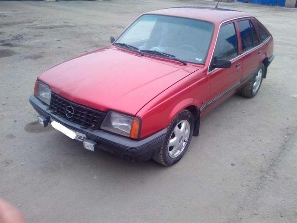 Продам Opel Ascona 1,6 Газ/Бензин
