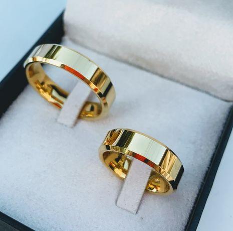 Elegancka Para Złotych Ślubnych Obrączek