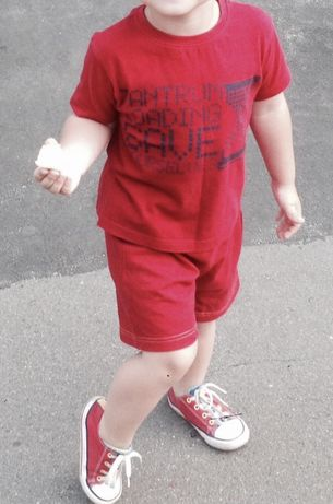 Красный хб комплект Marvel футболка и шорты 3/4 года 140 грн
