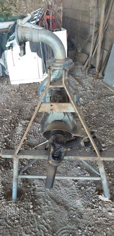 Bomba de rega acupolada a tractores
